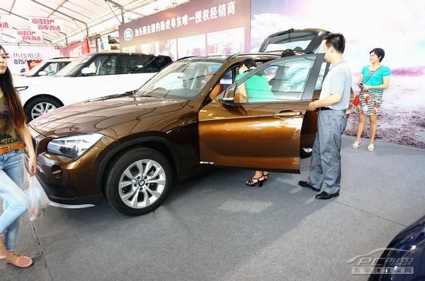 """BMW亮相""""十一""""汕头车展"""