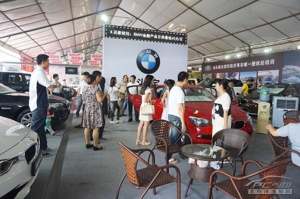 BMW1系运动型两厢轿车