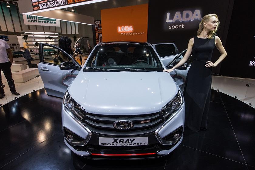 莫斯科国际车展上拍摄的拉达XRay Sport概念车
