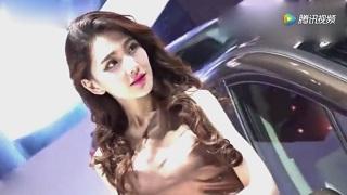 """南京车展最美""""女车模"""":娇羞可爱,眉飞眼笑、语笑喧阗!"""