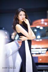 长春汽博会漂亮车模小姐姐等你来约之黑衣高贵