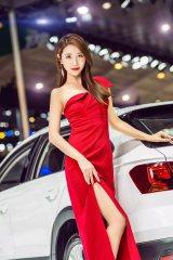第十九屆昆明國際車展舉行了這次的小姐姐真美呀