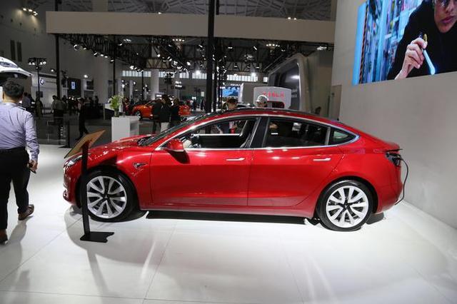 2019海口新能源车展:特斯拉Model 3亮相