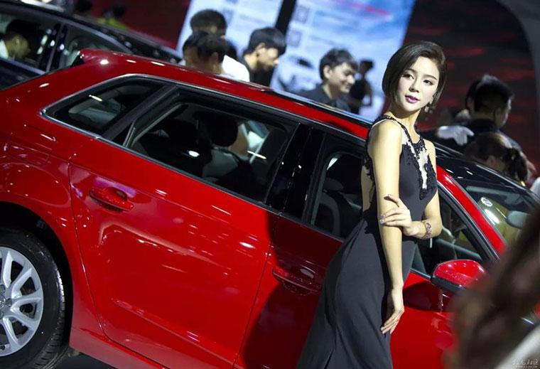 全宁夏的美女都来银川国际车展了!你还在等啥