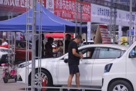 济源市2019夏季大型车博会开幕 篮球城西广场今天热闹非凡