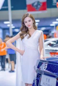 2019银川国际车展的车模都太美了!看得挪不动腿!