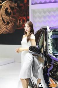 2020苏州国际车展启幕 车模小姐姐等你来撩