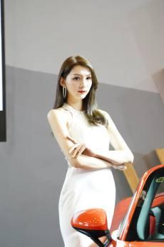 2020泉州國際車展開幕 車模小姐姐驚艷全場