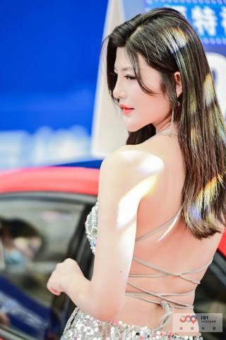 第五届昆山国际车展除了看车,当然还要看美女!