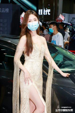 华中国际车展车模美图,看看你又被哪个小姐姐圈粉了