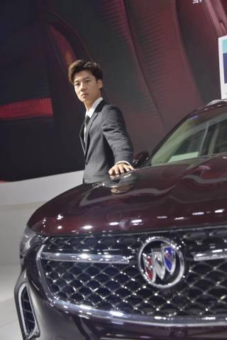 2020唐山国际车展车模,一抹亮丽的风景线