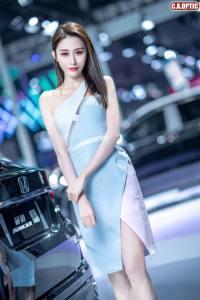 长沙国际车展尤物车模C位出道,甜到犯规!
