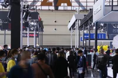 大河车展开幕,近千款车型亮相,价格最高直降15万