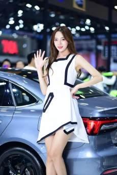 天津五一國際車展人氣火爆,車模超高顏值等你圍觀!
