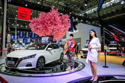 周末不打烊!华中国际车展赛程过半,优惠更多,人气更旺!